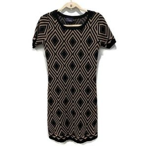 Just Taylor M Black and Metallic Gold Scoop Dress